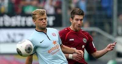 Nach geplatzten Khedira-Deal: BVB und S04 streiten sich um Mittelfeld-Star.
