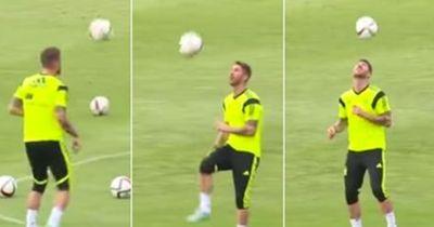 Sergio Ramos zeigt, dass er der perfekte Kreativspieler wäre!