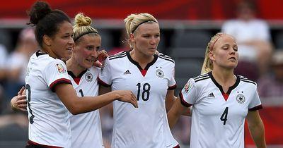 Frauen und Fußball: Wie gut passt das zusammen?