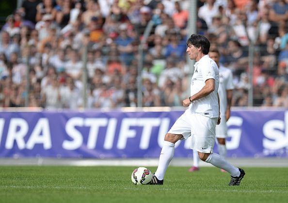 Joachim Löw erzielt 2 geile Tore in Benefizspiel!
