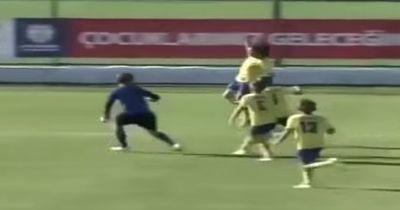 Video: Nur wegen diesem Torjubel verlor Bursaspor direkt das ganze Spiel!