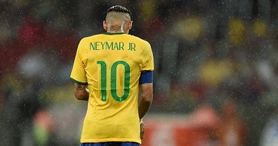 Das passierte wirklich zwischem dem Schiri und Neymar im Spielertunnel!