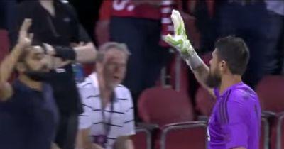 Torhüter aus der MLS feiert seinen Sieg auf eine besondere Art und Weise!
