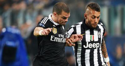 Pepes Vater musste monatelang für die Fußballschuhe seines Sohnes arbeiten!
