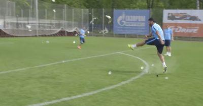 Video | Hulk lässt den Ball mit einem einzigen Schuss explodieren!