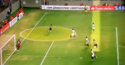 Schau dir das an: Das ist die cleverste Vorlage aller Zeiten von Ronaldinho