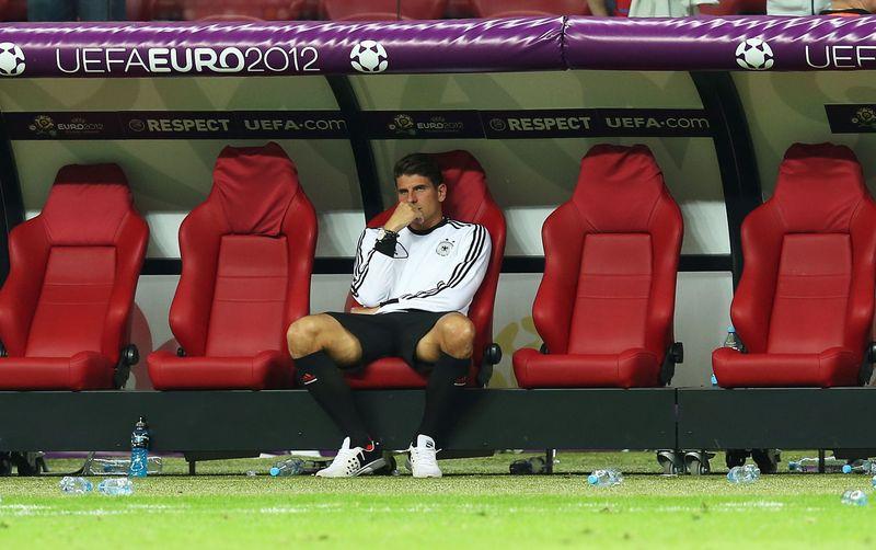 Gomez Wird Erneut Geschlagen