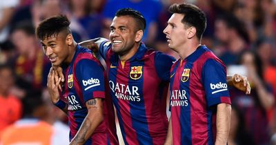 """Alves plaudert aus dem Nähkästchen: """"Neymar rastet jedes Mal aus, wenn wir das in der Kabine tun"""""""