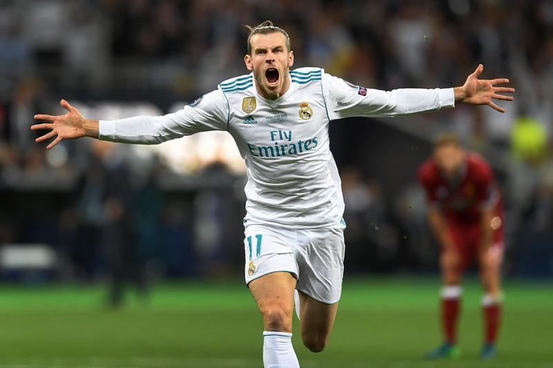 Gareth Bale rennt allen Fußball-Spielern davon.