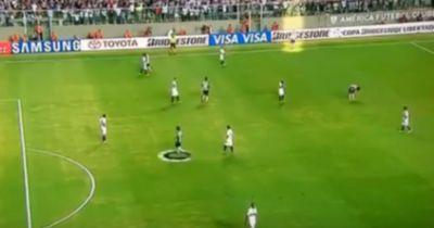 Video: Ronaldinho mit dem frechsten Trick der Geschichte!