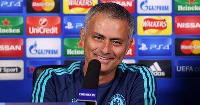 Video: Mourinho klaut Fifa 16 für seinen  Sohn!