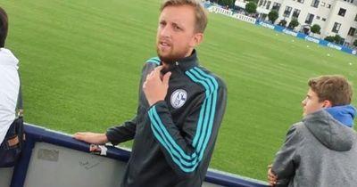 So verarschte ein Youtuber das ganze Team von Schalke 04!