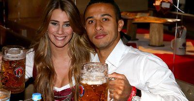 Bayern gegen Dortmund: Wer hat die heißeren Spielerfrauen?