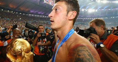 3 brandneue Fakten über Mesut Özil!