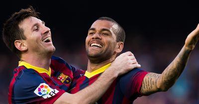 Dani Alves würde es begrüßen, wenn Messi noch länger verletzt bleibt