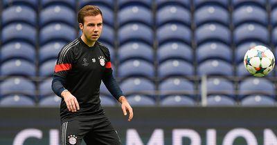 Große Tat unserer Nationalspieler für junges Fußballtalent!