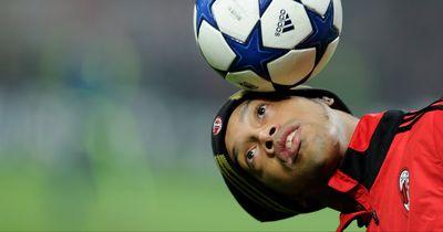 Ronaldinho macht einen Blitzbesuch bei seinem letzten Verein
