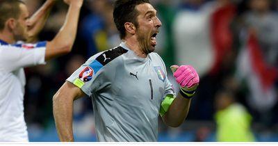 Buffon fürchtet nur einen Angreifer!