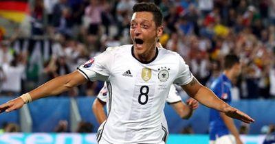 Diese SMS schickte Mesut Özil an Frankreichs-Abwehrchef!
