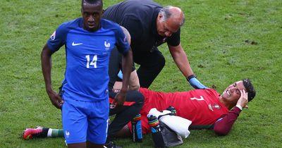 Schock: Ronaldo muss verletzt vom Platz!