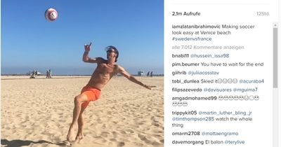 Zlatan schickt Urlaubsgrüße an die englischen Verteidiger!
