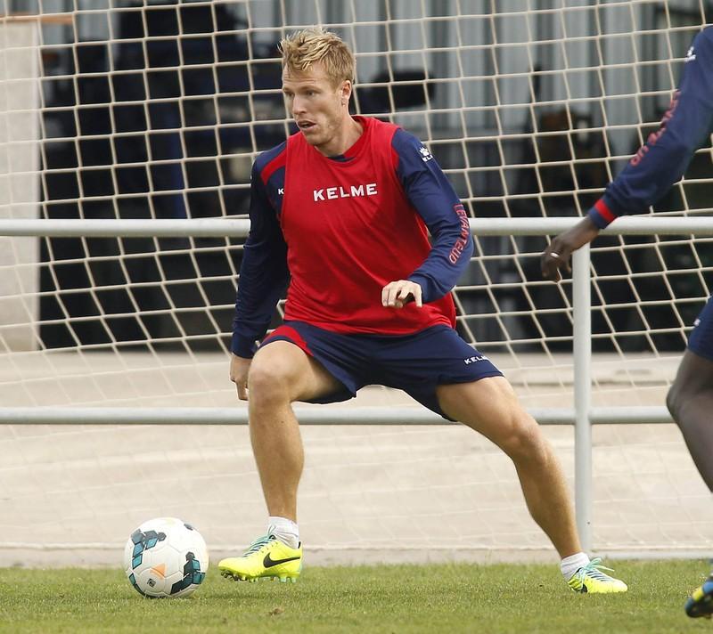 Christian Lell ist kein besonders guter Spieler für den FCB als rechter Verteidiger gewesen