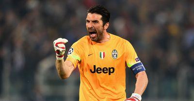 Gianluigi Buffon beschwichtigt buhende Italiener