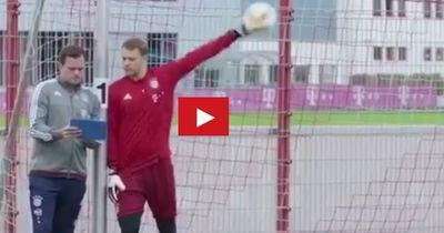 Manuel Neuer präsentiert seine geilste Parade