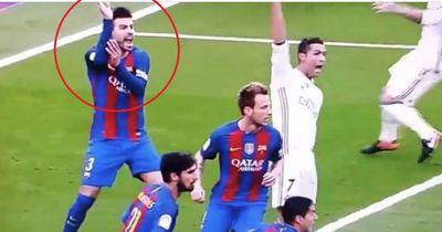 Kuriose Szene: Fordert Gerard Pique hier Elfmeter für Real Madrid?
