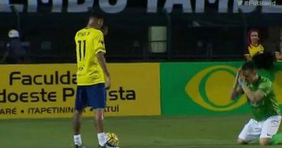 VIDEO: Gegenspieler fleht um Gnade - Und wird von Neymar trotzdem komplett zerstört!