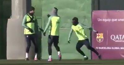 So wird Pique von Suarez und Neymar im Training verarscht