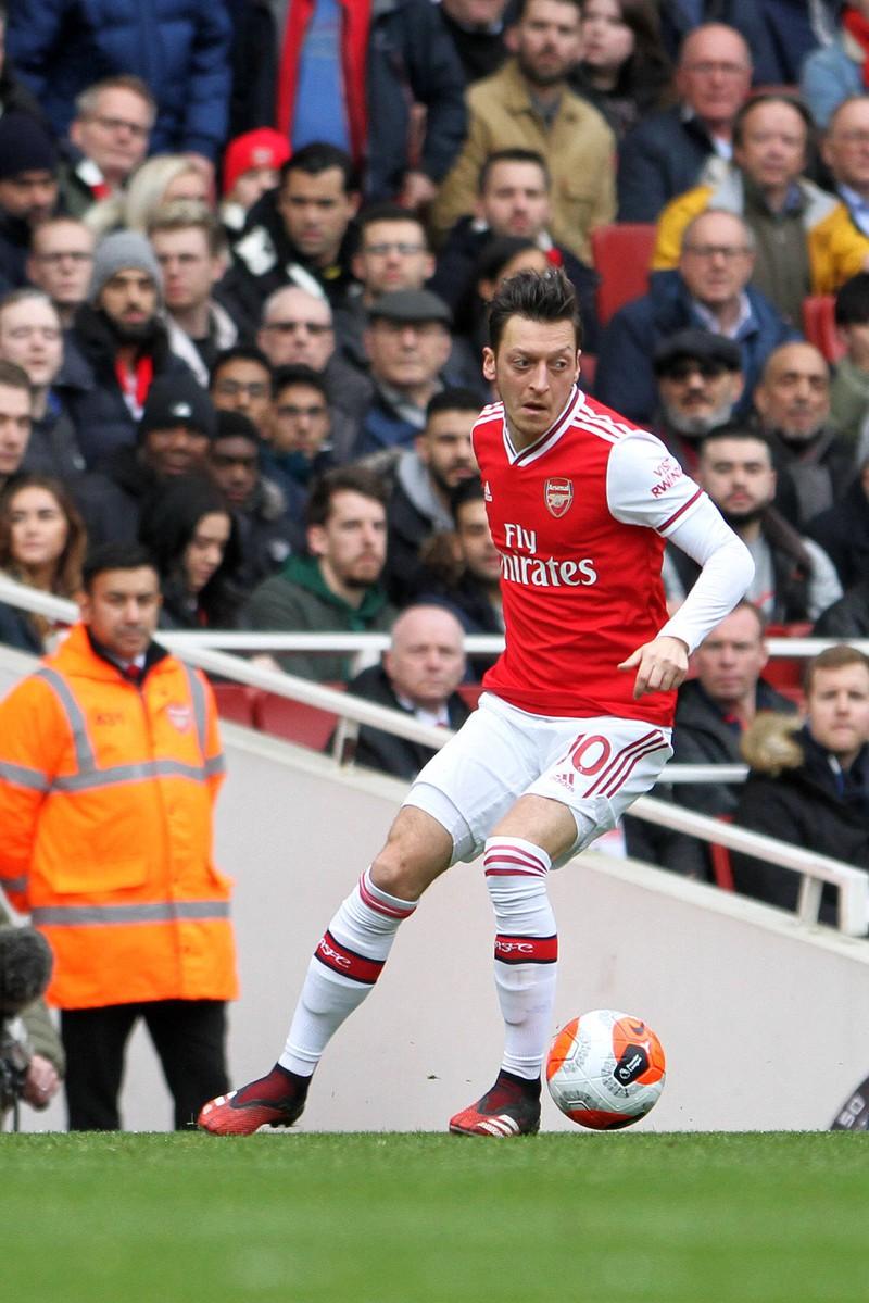 FC Arsenal Star Mesut Özil leistete sich eine wunderschönes Traumvilla in London