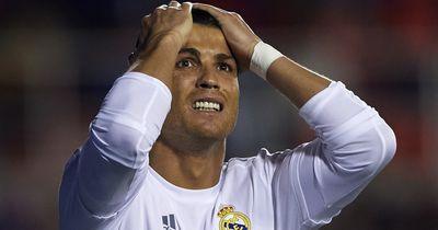 Diese heißen Bilder zeigt Ronaldos Freundin auf Twitter