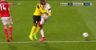 0:0 zur Halbzeit, aber alle Dortmund schimpfen wegen dieser Szene!
