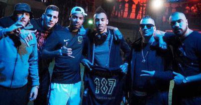 Aubameyang posiert mit Rap-Gruppe 187 Strassenbande