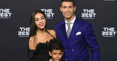 Erwartet Ronaldo Zwillinge?