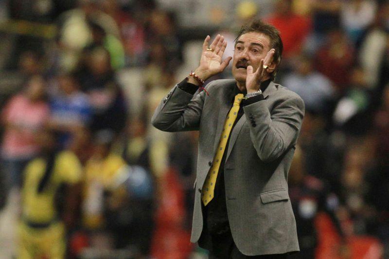 Skandal in Mexiko: Trainer Foult Gegenspieler