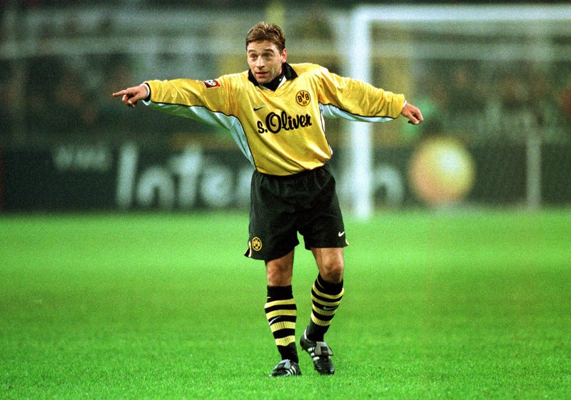 Thomas Häßler saß beim BVB oft auf der Ersatzbank, weil er zu schlecht war