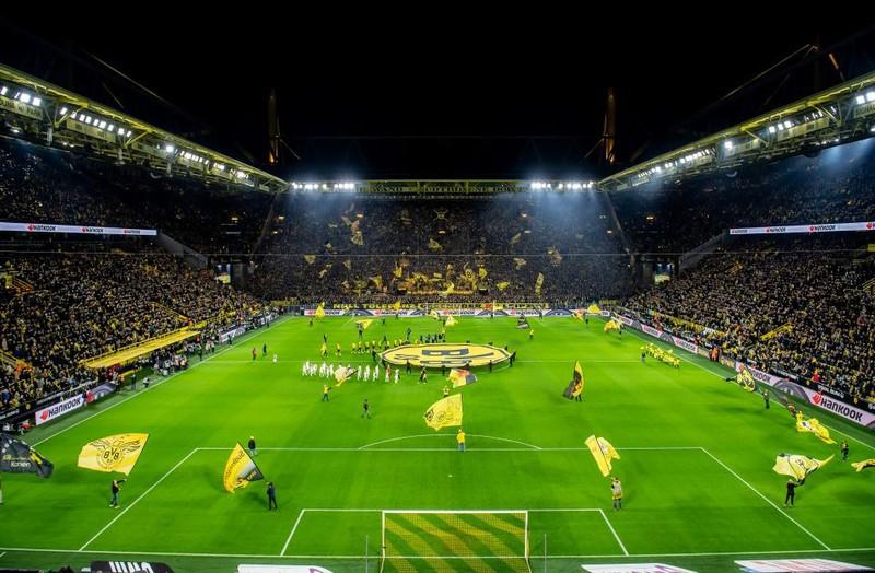 Ein Bundesligastadion, in dem sich jährlich Millionen von Fans tummeln, um ihre Mannschaft anzufeuern