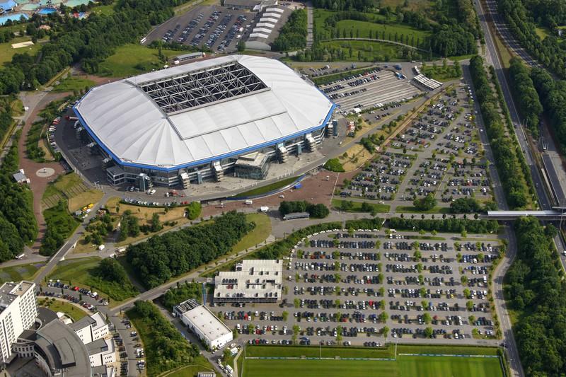 Ein Stadion, das  79.612Zuschauer umfasst, die ihre Mannschaft immer tatkräftig unterstützen
