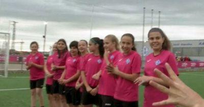 Spanische Sensation: Mädchen in der Knaben-Liga...