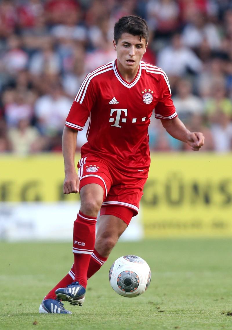 Alessandro Schöpf ging nach dem Rekordmeister zum FC Schalke 04