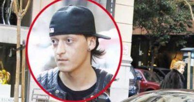 Mesut Özil: Sein Vermögen & sein Auto