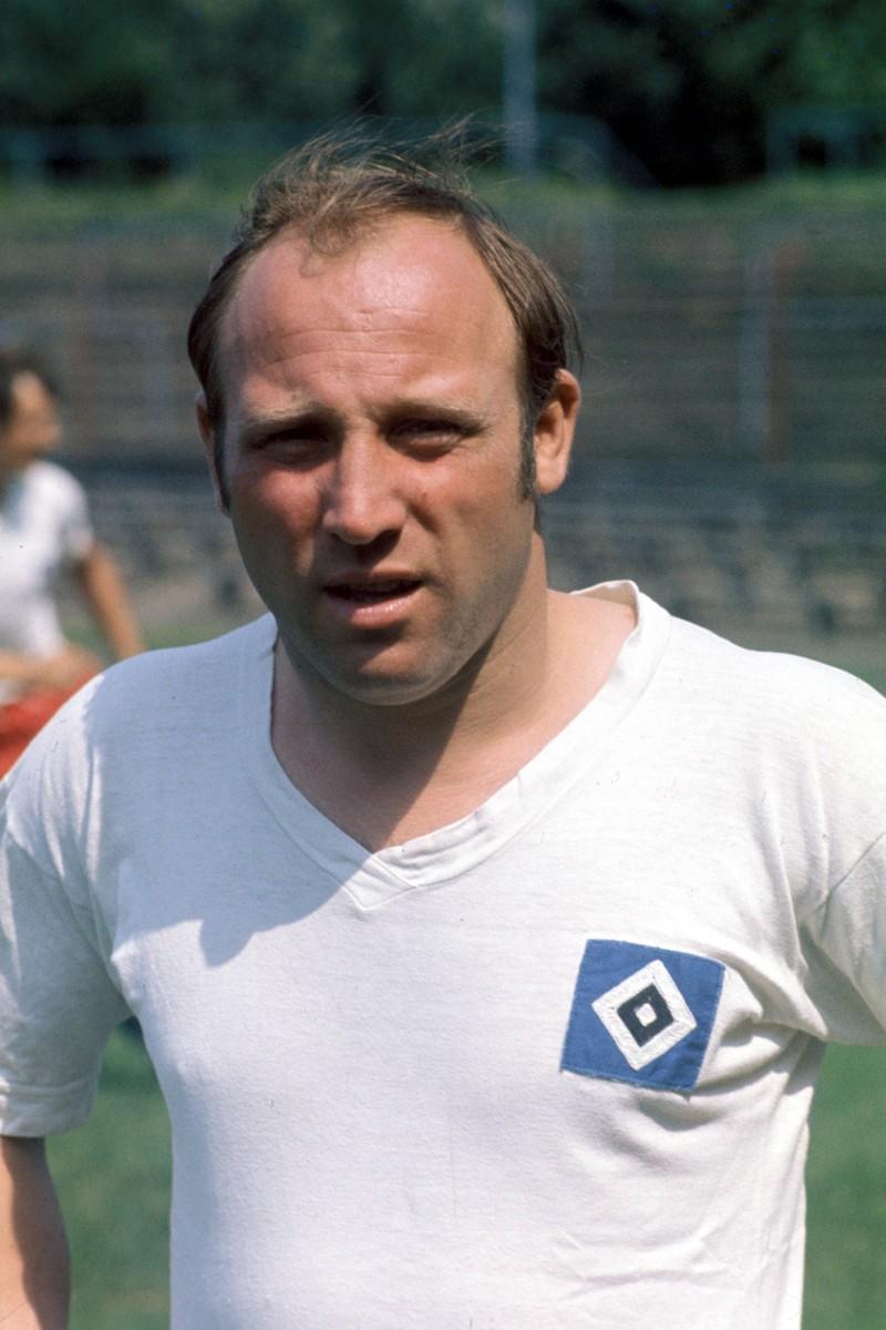 Uwe Seeler konnte zwar keinen bedeutenden Titel mit der deutschen Nationalmannschaft holen, dennoch ist 'Uns Uwe' eine absolute Ikone