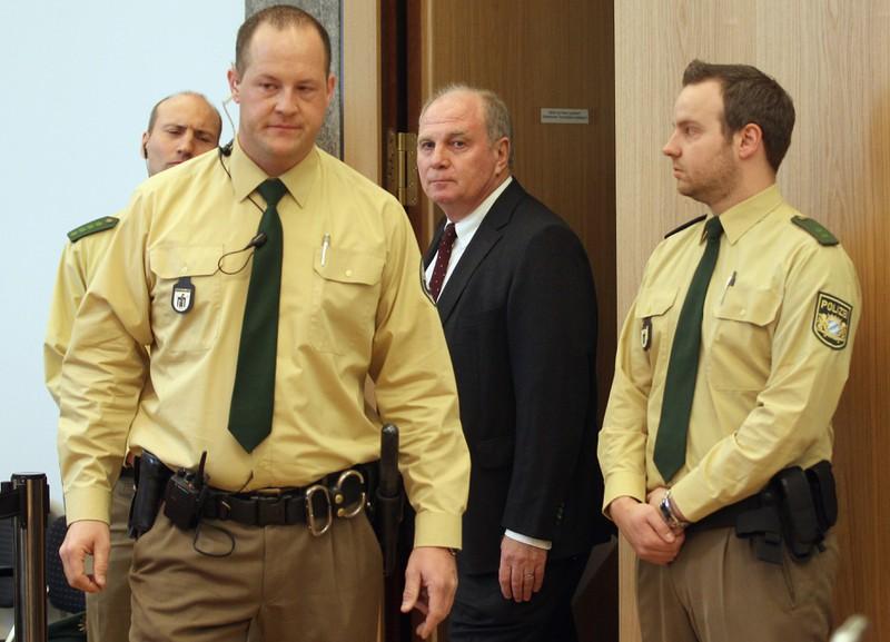 Uli Hoeneß wurde wegen Steuerhinterziehung verurteilt