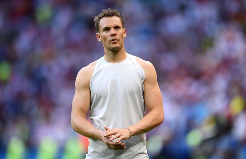 Nachdem Neuer seinen Abschied bei Schalke auf seiner Facebook-Seite verkündet hatte, hagelte es Beleidigungen und Drohungen gegen den Ausnahme-Torwart.