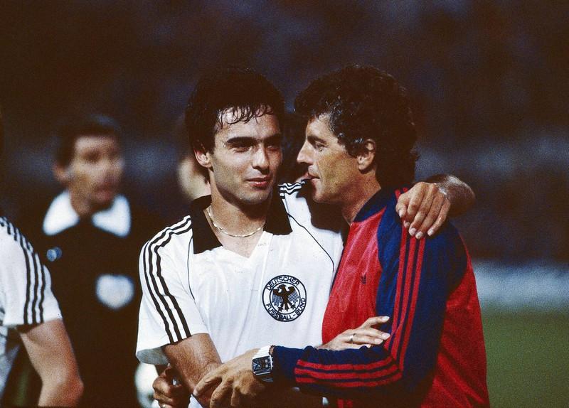 Er holte als erster Trainer nach dem 2. Weltkrieg keinen WM- oder EM-Titel und gilt somit als erfolglosester Bundestrainer in der Geschichte der deutschen Fußballnationalmannschaft.