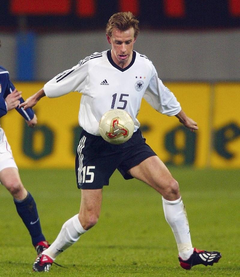 Jörg Heinrich erwies der Mannschaft einfach schlechte Dienste, wobei er immerhin 37.Mal zum Einsatz kam.