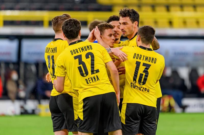 Bei Borussia Dortmund gab es so einige Fehleinkäufe, die der Mannschaft und dem Verein ziemlich viel Geld gekostet haben
