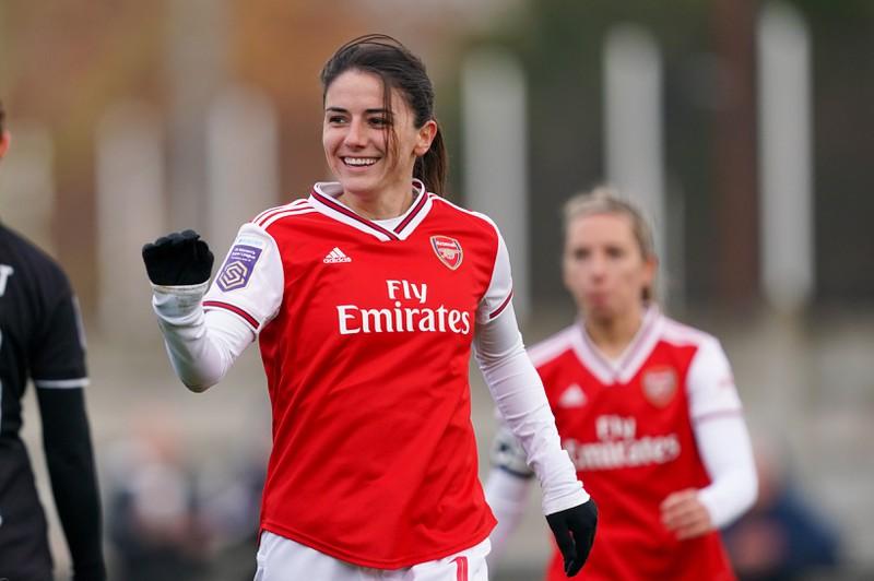 Daniëlle van de Donk, die bei Arsenal spielt